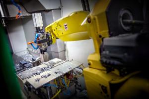 Robotisering maakt het ons mogelijk om flexibel en snel grote series te draaien. Wij kunnen onze productiecapaciteit zodanig inzetten dat u geen last heeft van lange wachttijden.
